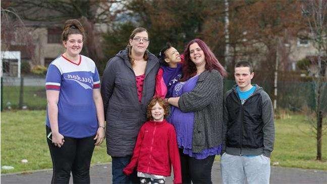 Наследование синдрома обуславливает его семейный характер